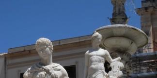 Staute della fontana pretoria