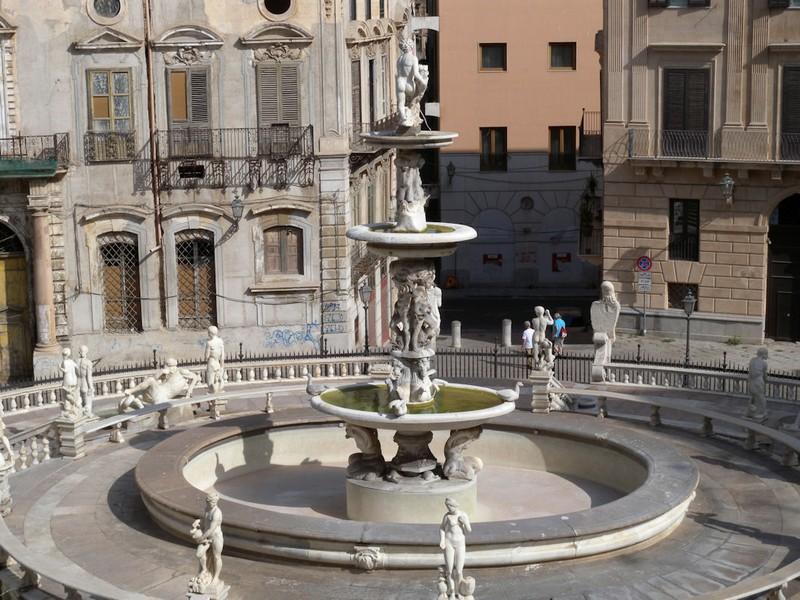 piazza pretoria1