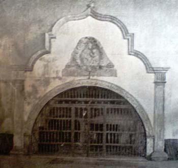 grotta cappella della chiesa di Piedigrotta
