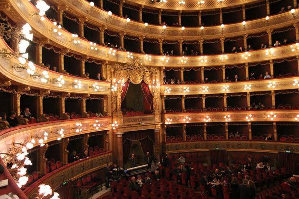 Teatro Massimo, Platea