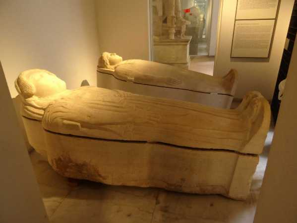 sarcofagi fenici