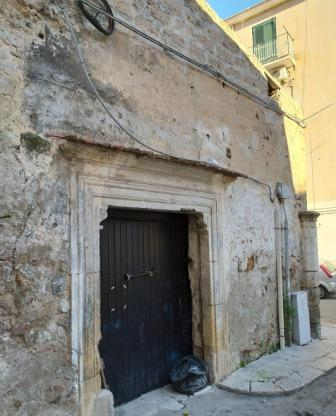Porta- fonte dell'Averinga